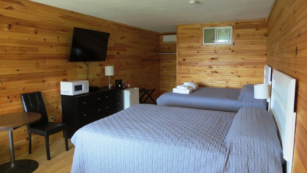 Boardwalk Motel