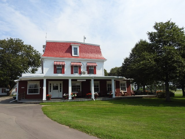 Shaw's Hotel & Cottages