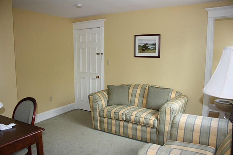 Shining Waters Luxury Suites & Cottages